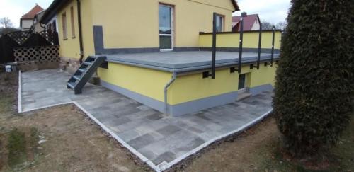 Terrasse in Graniteinfassung  Erneuerung Garagenfassade 2